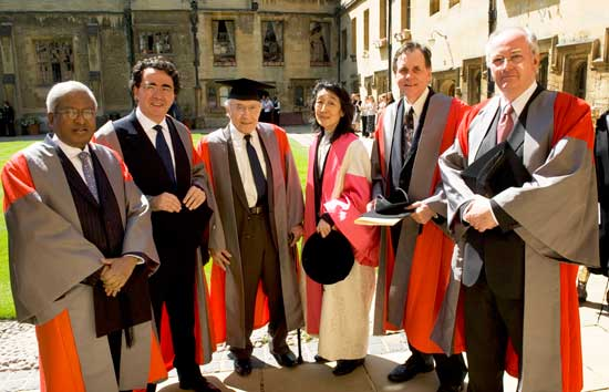 Honorands at the 2009 Encaenia ceremony. From left to right : Fazle Hasan Abed, Dr Santiago Calatrava-Valls , Professor Erwin L Hahn , Dame Mitsuko Uchida ,Professor Barry Marshall, Mr Philip Pullman
